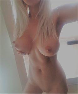 jeune francaise gros seins nude