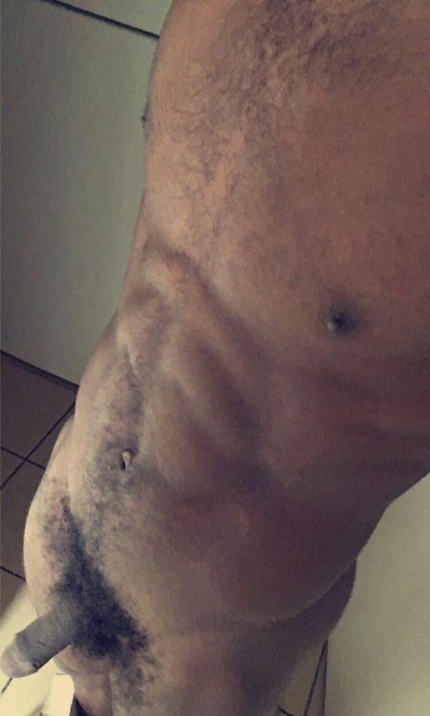 black nude sur snap