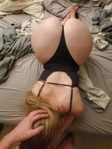 blonde sexy au gros cul