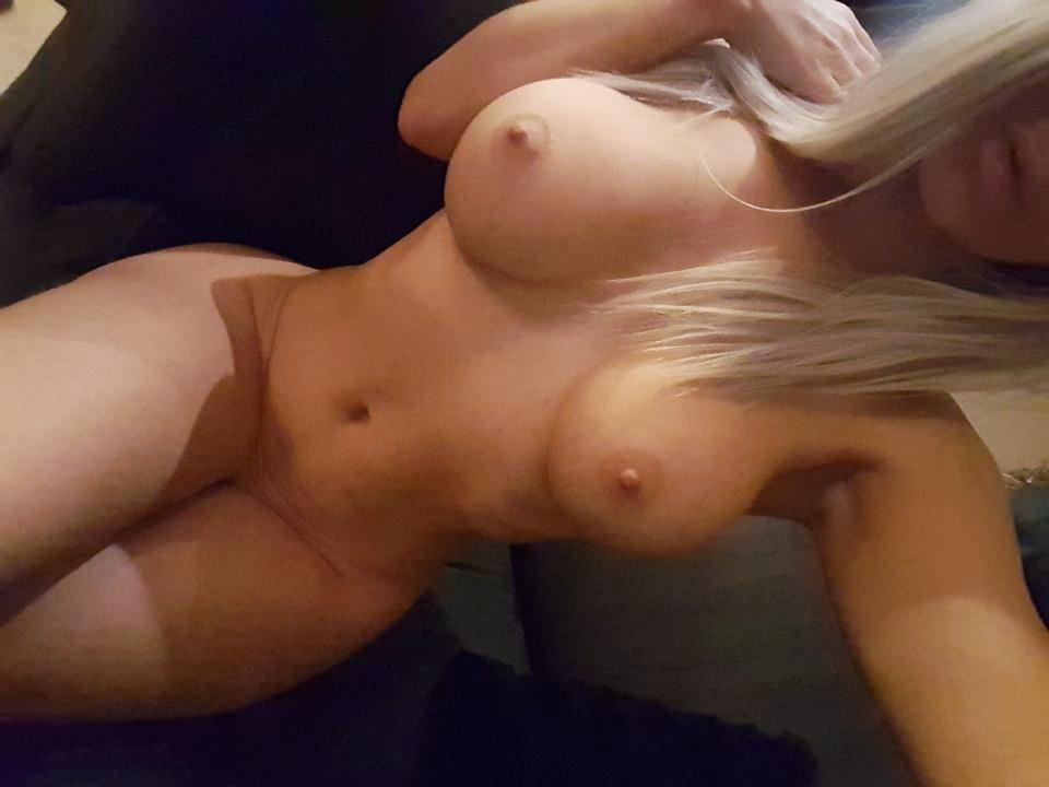 snapchat nude d'une femme blonde