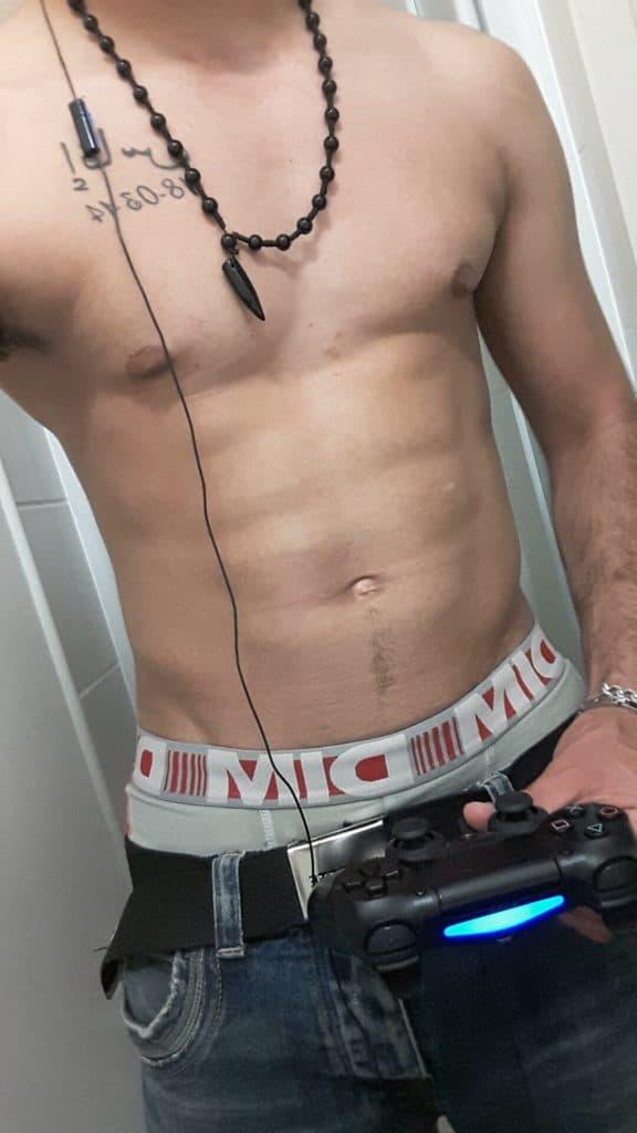 homme nude pour jouer