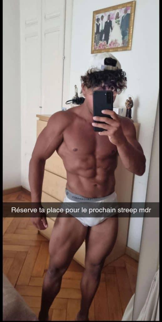 homme super musclé nude