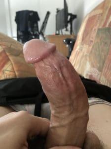grosse bite d'un homme de 20 ans